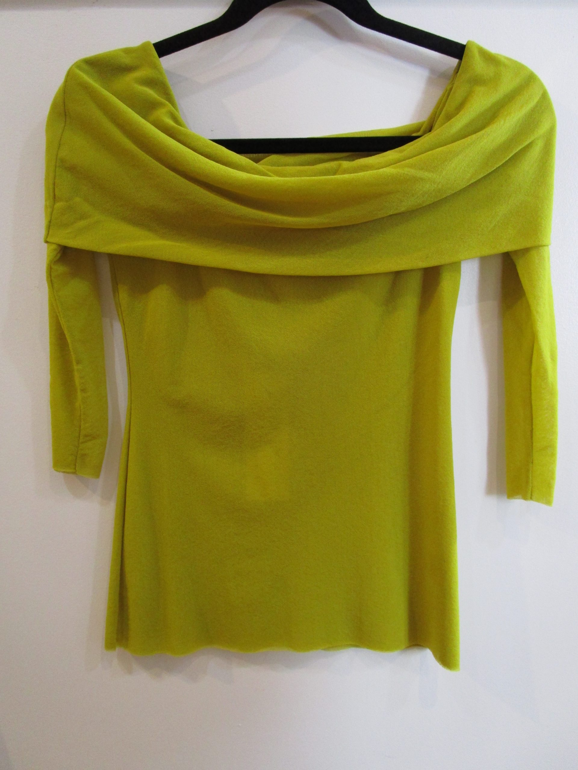 Chartreuse Off-shoulder 3/4 Sleeve – Petit Pois